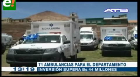 Gobierno entrega 71 ambulancias para 40 municipios de Potosí