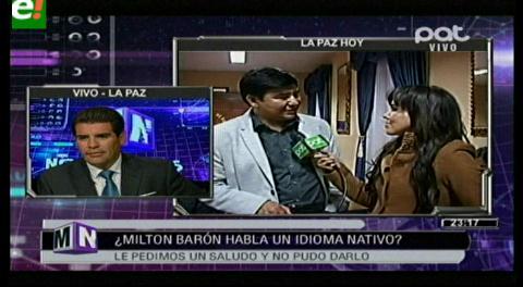 A pesar de tener certificado de idioma nativo, el senador Milton Barón no saludó al vivo en NM