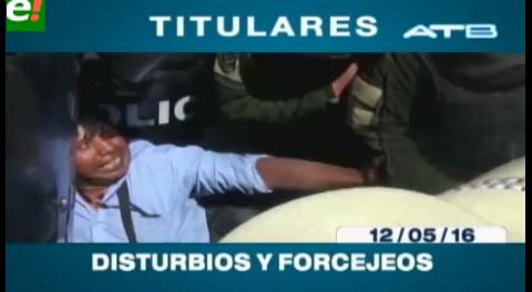 Titulares de TV: Nuevos enfrentamientos entre discapacitados y policías en la plaza Murillo