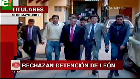 Titulares de TV: Abogados rechazan la detención de Eduardo León