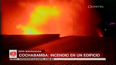 Cochabamba: Edificio ardió en el centro de la ciudad