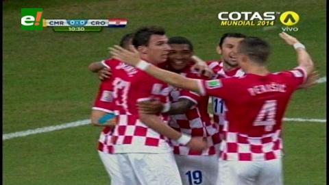Croacia goleó 4-0 y eliminó a Camerún con doblete de Mandzukic