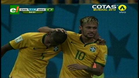 Brasil goleó 4-1 a Camerún y se adueñó del primer puesto del Grupo A