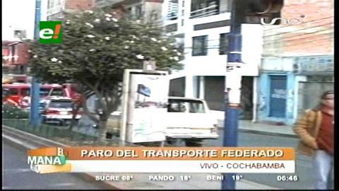 Principales avenidas de Cochabamba amanecen bloqueadas por el transporte sindicalizado