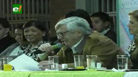 Acusan al alcalde Percy Fernández de humillar a las mujeres con una canción