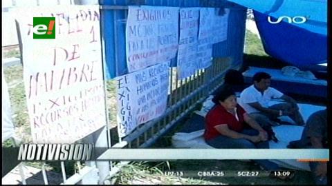 Trabajadores del Hospital Obrero en huelga de hambre