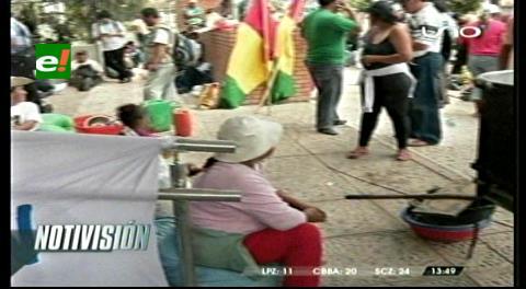 Chiquitanos hacen vigilia a la espera de Costas