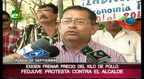 Fedjuve exige al municipio cruceño controlar el precio de la carne de pollo