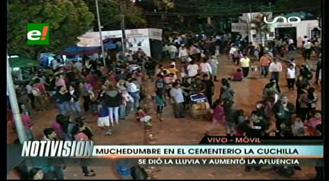 Santa Cruz: Rezos, comidas y nostalgia en la festividad de los muertos
