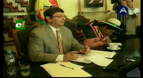 Apuntan a Nemesia Achacollo. Liquidadora dice que el Ministerio de Desarrollo Rural incumplió Ley Safco