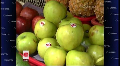 En el Siete Calles, vendedoras de frutas hacen campaña por el No