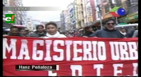 La Paz: Maestros urbanos marchan contra la profesión libre