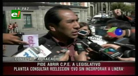 Concejal de Achacachi pide referendo para reelegir a Evo y no a Álvaro