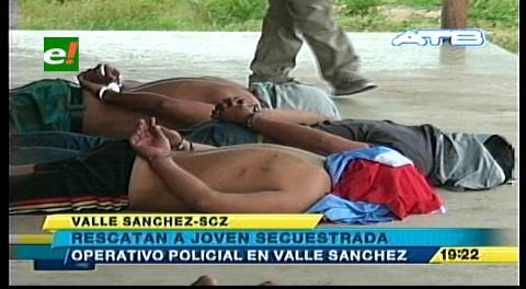 Rescatan en Valle Sánchez a una joven secuestrada
