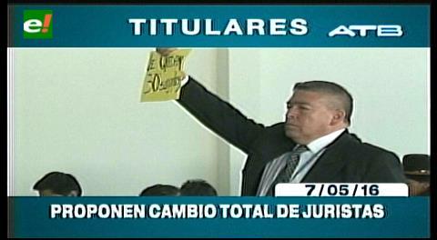 Titulares de TV: Terminó la precumbre de Justicia en La Paz, proponen cambio total de juristas
