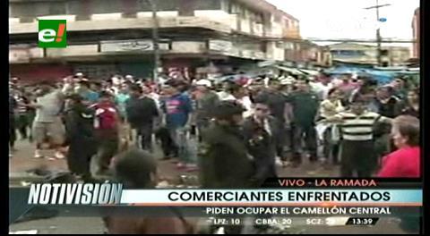 Gremiales se enfrentan en el camellón de la avenida Grigotá
