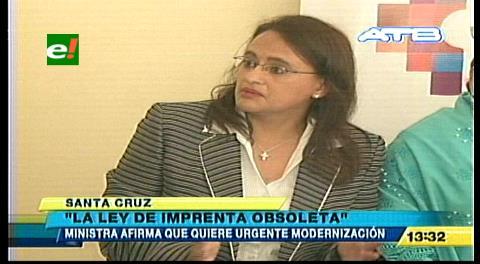 """Ministra Valdivia: """"La Ley de Imprenta está obsoleta"""""""