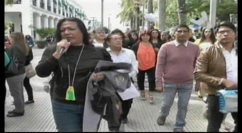 Santa Cruz: Transexuales y transgéneros marcharon por la plaza 24 de Septiempre