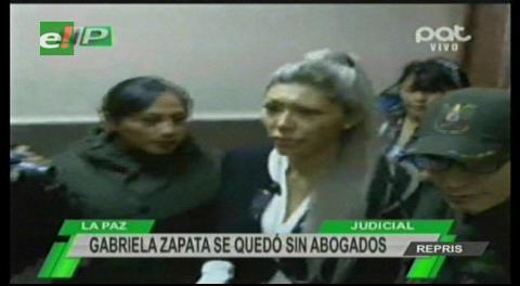 Gabriela Zapata se quedó sin abogados