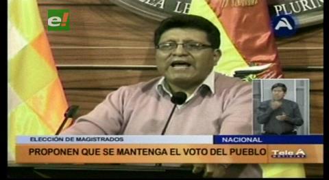 Senador Chambi propone mantener la elección de autoridades judiciales por voto popular
