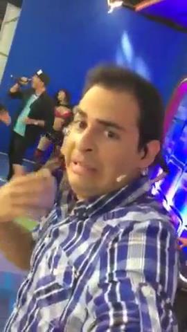 Backstage del sensual video de Maité Flores en Unitel