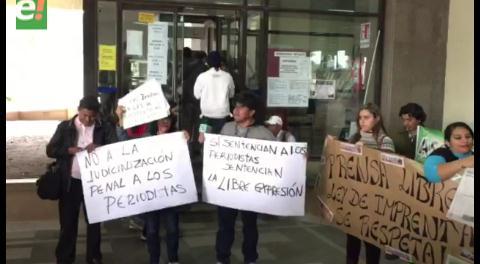 No a la judicialización y penalización del trabajo periodístico