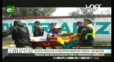 Policía desaloja a discapacitados de la clínica Los Olivos