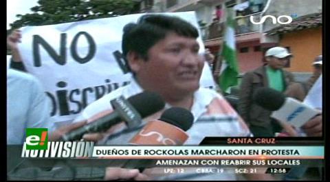 Dueños de las rockolas marcharon hasta la Intendencia, piden autorización para reabrir