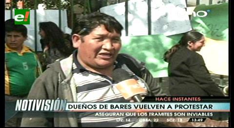 Santa Cruz: Dueños de las rockolas bloquean la Intendencia