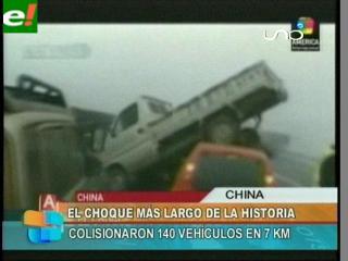 Espectacular choque en China entre 140 automóviles