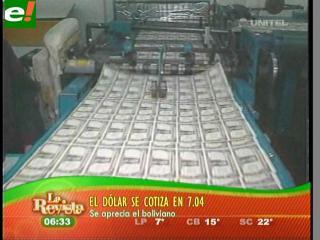 Vuelve a bajar el dólar un centavo de boliviano