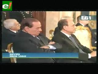 Silvio Berlusconi a los ronquidos en un discurso del presidente italiano
