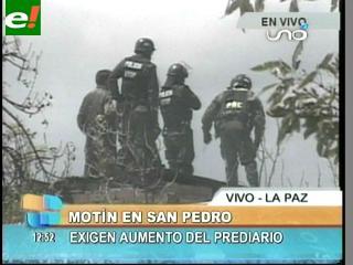 Reos del penal de San Pedro se amotinan