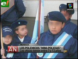 """Polémica en Argentina por un programa para """"mini policías"""""""