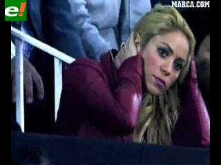 Los nervios de Shakira en el palco de Mestalla