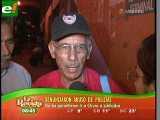 Rentistas cruceños retenidos en Cochabamba