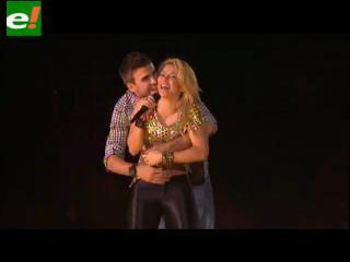 Piqué y jugadores del Barcelona celebran junto a Shakira