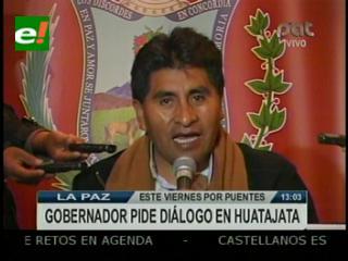 11 días de bloqueo en Copacabana, Cocarico pide dialogar en Huatajata el viernes