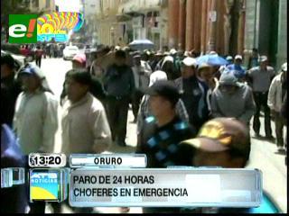 Choferes cumplen paro de 24 horas en Oruro
