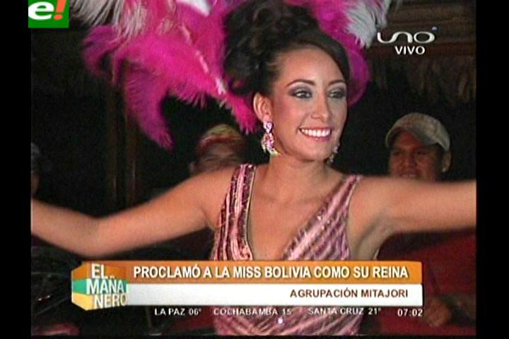 Claudia Tavel proclamada reina de los Mita Hori