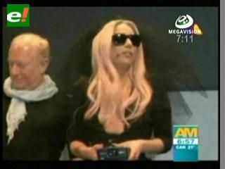 Lady Gaga presentó gafas que toman fotos