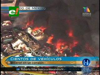 Se queman mil vehículos en un deposito de la Policía Federal en la ciudad de México