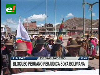 Bloqueo peruano en Desaguadero perjudica las exportaciones de soya boliviana