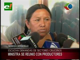 Ministra de Desarrollo Rural se reúne con los productores cruceños