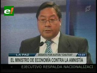 """Ministro de Economía en contra de la amnistía a vehículos """"chutos"""""""