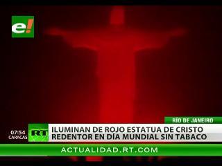 En el Día mundial sin tabaco el Cristo Redentor en Río de Janeiro se vistió de rojo
