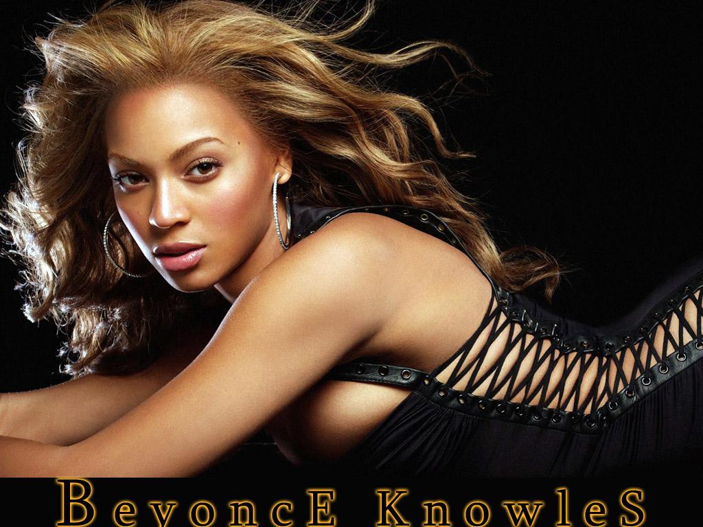 Beyonce cambia el microfono por la pluma
