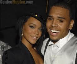 Rihanna perdona a Chris Brown por haberla agredido