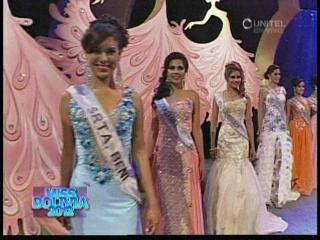 Candidatas a Miss Bolivia 2012 desfilan en traje de gala