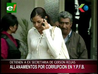 Aprehenden a supuesta ex funcionaria por caso de corrupción en YPFB